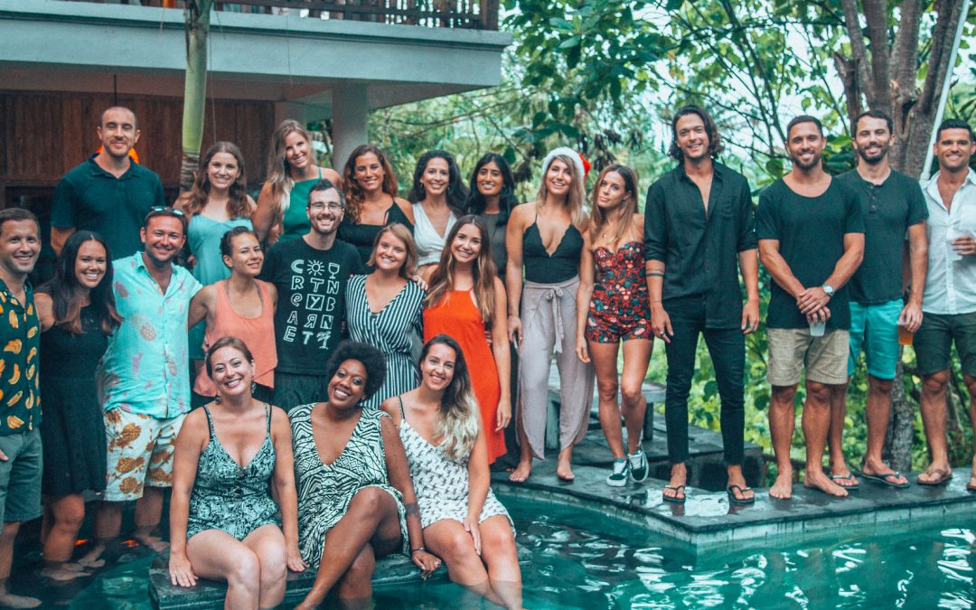 5 online businesses that can start making extra 10,000 USD by hosting a retreat